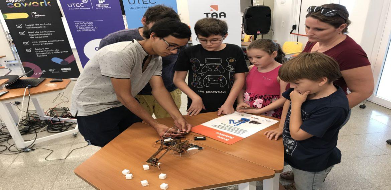 UTEC y Ceibal ofrecieron taller de micro:bit en Rivera