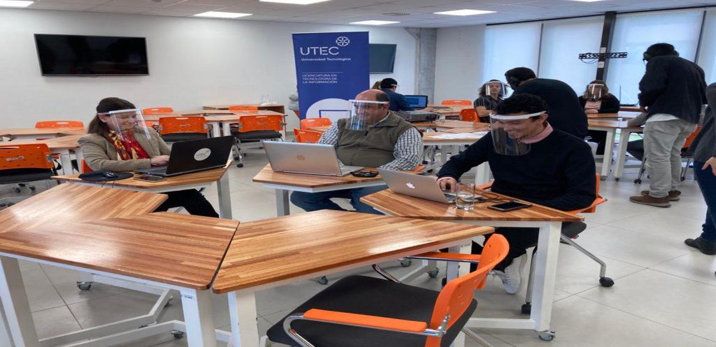 Se recibieron los seis primeros Licenciados en Tecnologías de la Información de UTEC
